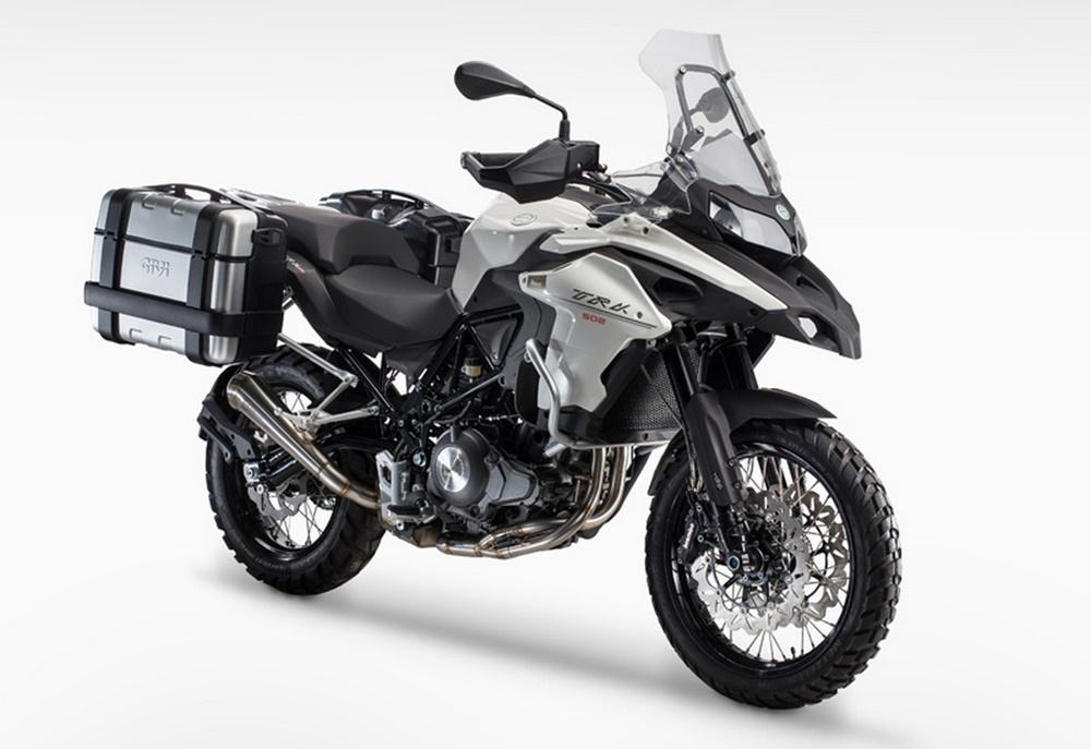 Туристический мотоцикл Benelli TRK502 2016