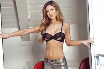 04-12 - Jessie Cabanne Sexy Strut