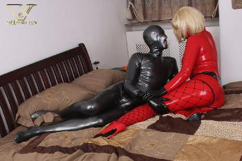 036 - latex strapon sex