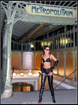 Femme Fatale En Nuit RedOptics.com