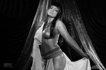 e12-25 Cleopatra White Slip B