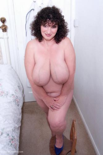 17279 - Kim Nude PlumperPass.com
