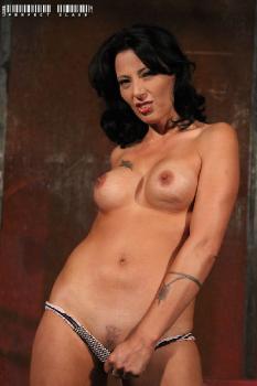 20101118 Zoey Holloway