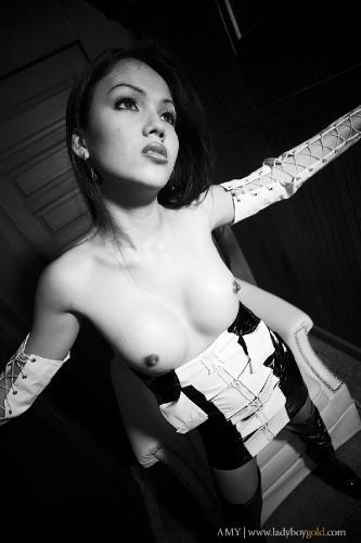 Amy - Black and White BONUS
