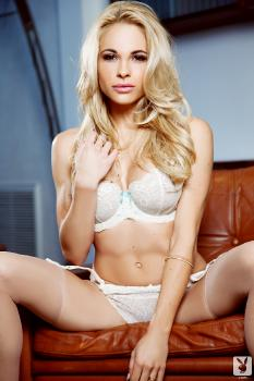 01-12 - Dani Mathers Suite Seductions