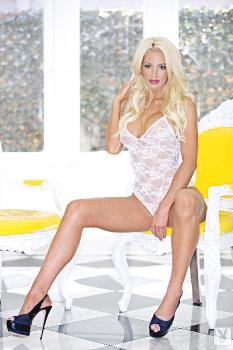 03-04 - Nicolette Shea Silky Seduction