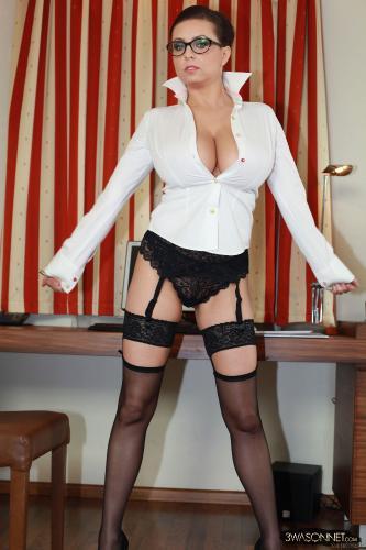 01-21 Very Busty Secretary