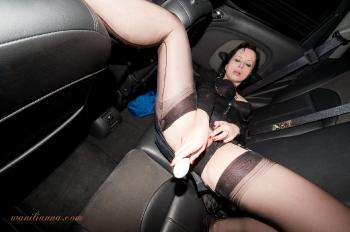 deviant lady in nylon stockings