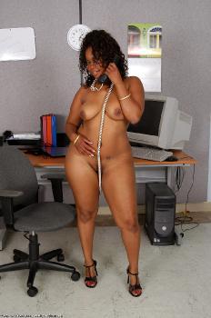 150646 - Maisha thick women