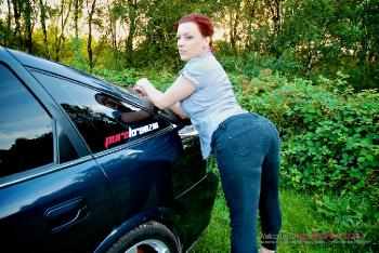 Isabella Dean_Shes Into Dogging